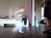 Tańczące dziecko
