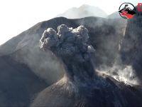 Sangeang Api wulkan widziany z drona